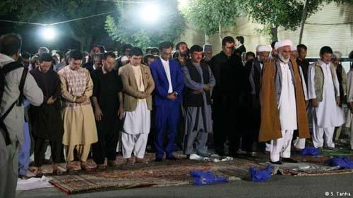 نفاق جایی ندارد/ نمایشی از هم دینی و همدلی مردم افغانستان
