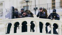 افبیآی عوامل یورش به ساختمان کنگره را از روی ویدئوها شناسایی میکند