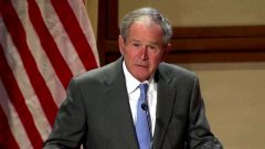 جورج بوش: خروج نیروهای خارجی از افغانستان اشتباه است